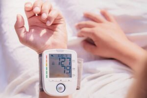 How should I monitor my bloodpressure at home?