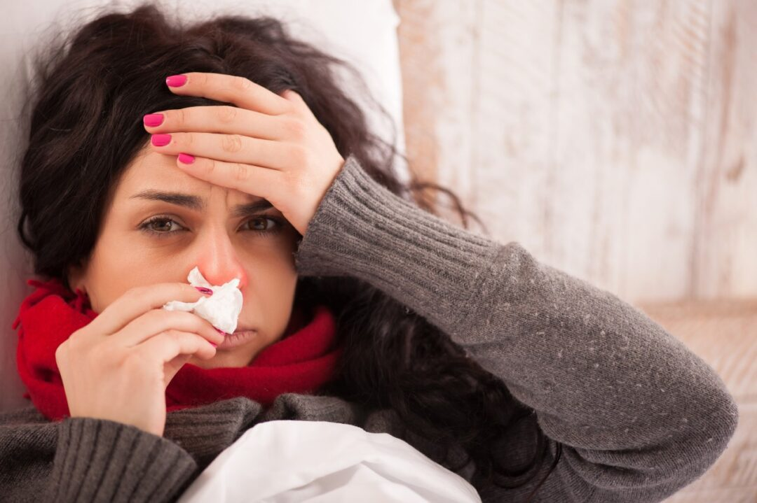 What is the best way to treat a common cold?
